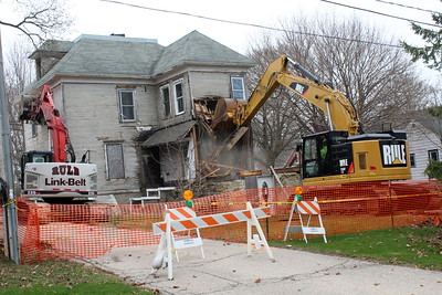 House Torn Down @ 309 N. Main 4-24-20