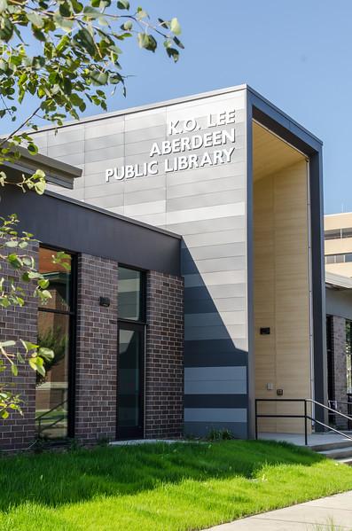 aberdeen library entrance