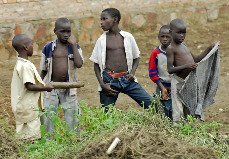070112 3936-B Burundi - on the road to Bubanza _E _L ~E ~L.JPG