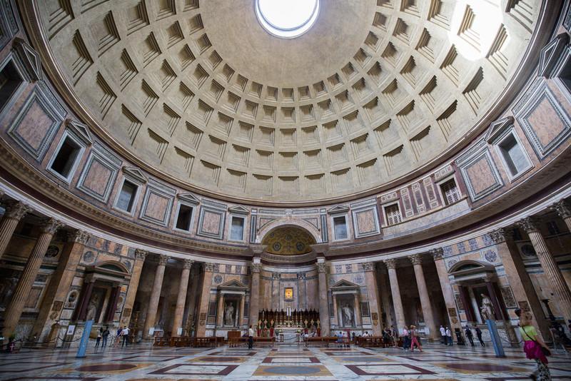 An interior shot of the Pantheon (c. 126 AD).
