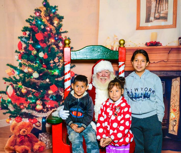 Santa Elmore 2016-12161.jpg
