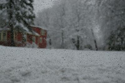 April 1 snow