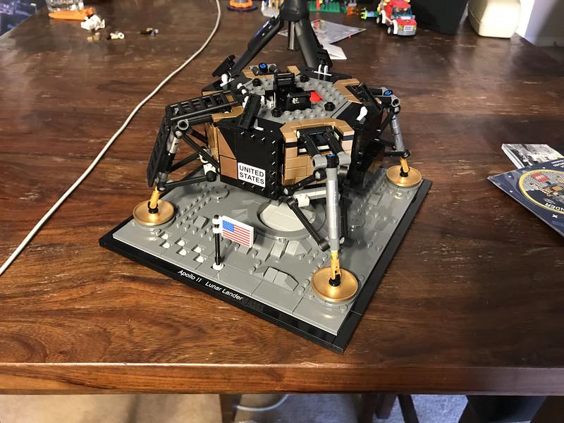 2019-06-08 LEGO Apollo Lunar Lander Build-04_heic.JPG