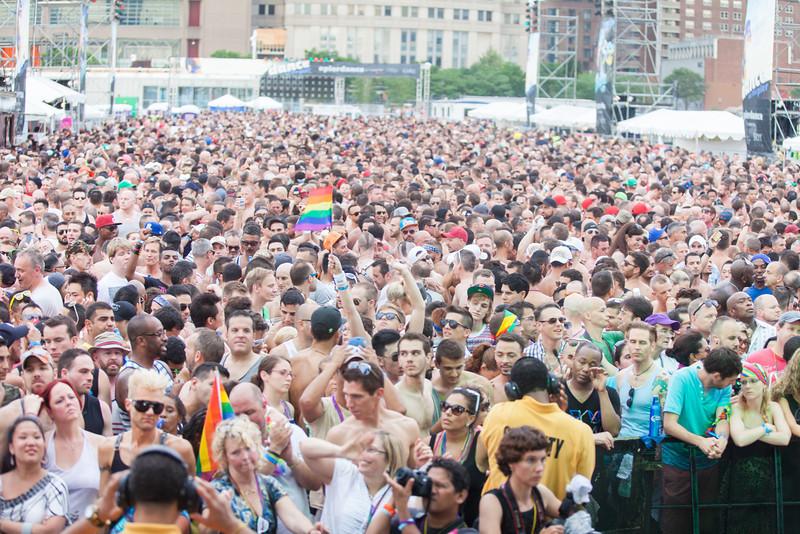 2013-06-30_NYC_Pride02_302.jpg