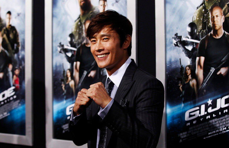 ". Cast member Lee Byung-hun of South Korea poses at the premiere of ""G.I. Joe: Retaliation\"" in Hollywood, California March 28, 2013. The movie opens in the U.S. on March 28.   REUTERS/Mario Anzuoni"