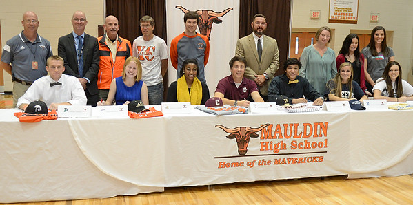 Mauldin Athletes Sign Scholarship Offers