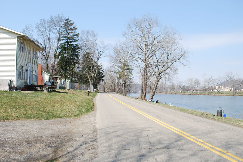 Looking back on the Old River Road. From this point to the south it didn't follow the Muskingum River quite so closely.