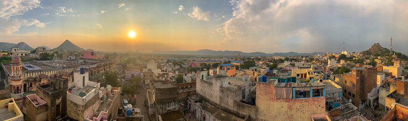 Pushkar has about 22,000 inhabitants. It was my favorite place on this trip.