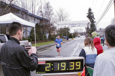 2005 Comox Valley Half Marathon - ComoxHalf2005-Al-Livsey-074.jpg