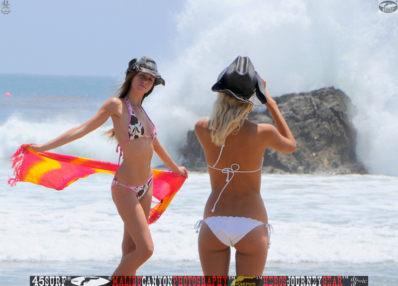 leo carillos surf's up beautiful swimsuit model 45surf 1584,best.book....