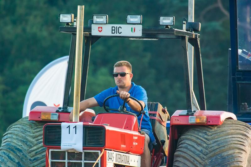 Tractor Pulling 2015-9161.jpg