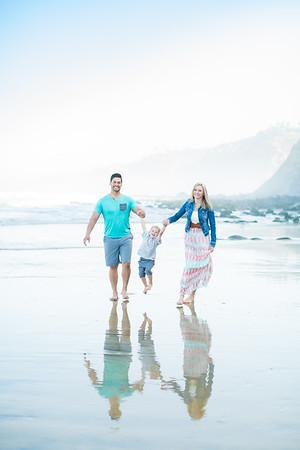 La Jolla Beach Family Photographs - Scripps Pier early morning - Spring 2018 - The Kaye Family