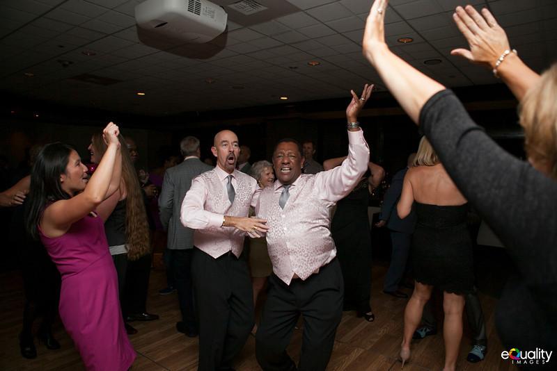 Michael_Ron_8 Dancing & Party_143_0763.jpg
