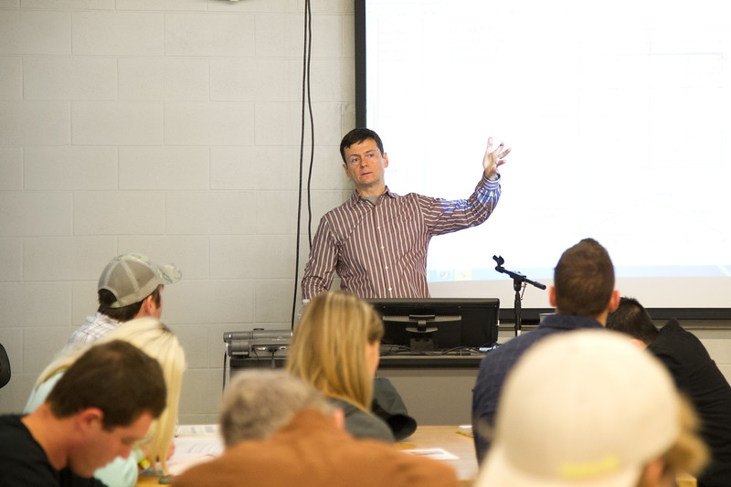 Professor Dr. Petru-Aurelian Simionescu delivers his lecture in Engineering lab.