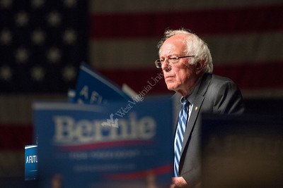 32038 Bernie Sanders Democratic Candidate Morgantown WV Waterfront Event Center May 2016