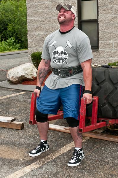 Fitness Revolution Strongman Challenge 2011_ERF3901.jpg