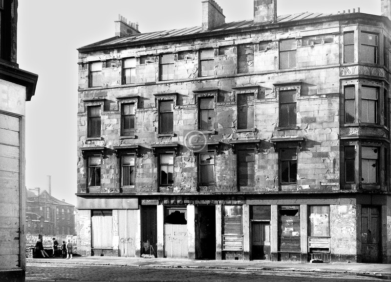 Carmichael St at Govan Rd.   A very Thomson-esque tenement, possibly by the Master himself. Part of Copland Rd School can be seen.     February 1974