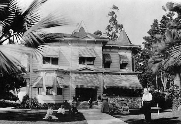 1896, Jim Jeffries Home