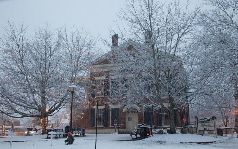 Snow on the square-4856.jpg