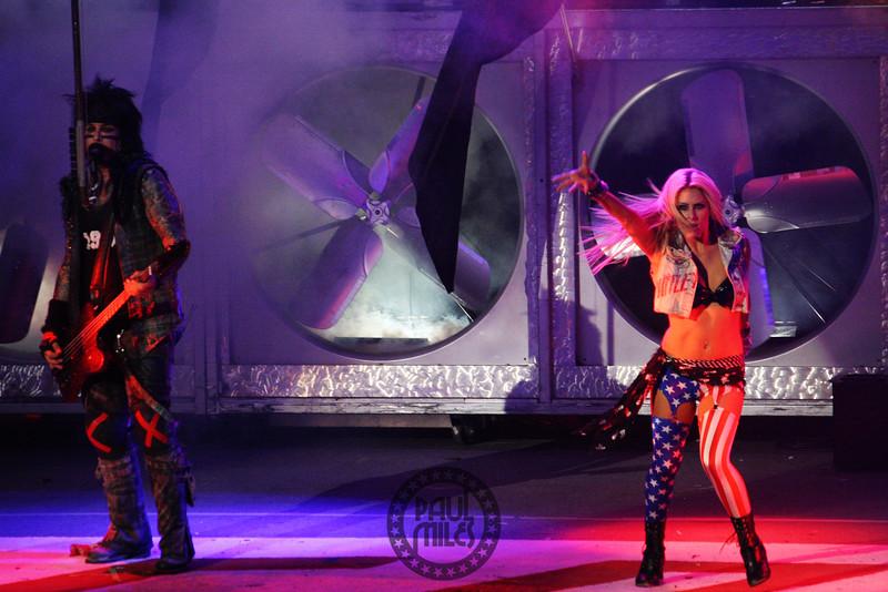 Nikki Sixx with Allison Kyler.