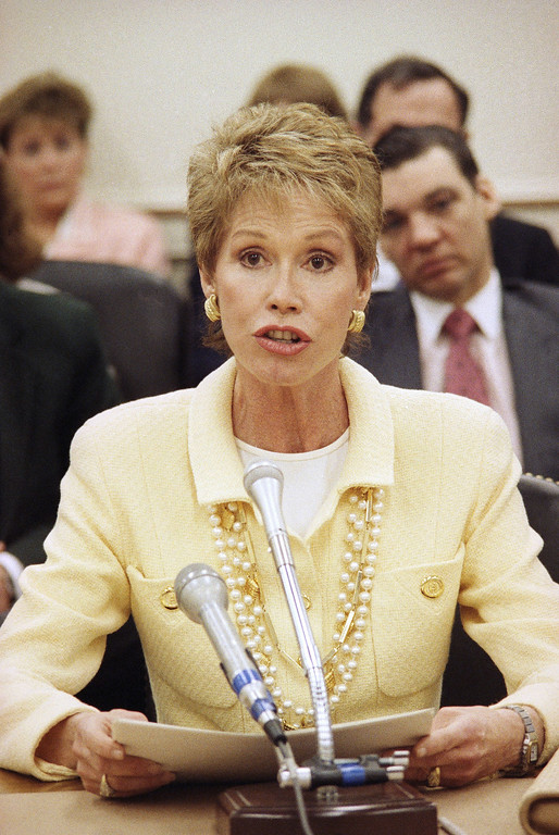 . Actress Mary Tyler Moore testifies before a House Appropriation Labor subcommittee on Capitol Hill, Tuesday, April 25, 1989 in Washington. The actress pleaded a case for increased funding for diabetes research. (AP Photo/Dennis Cook)
