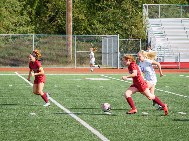 2019-09-28 Varsity Girls vs Meadowdale 049.jpg