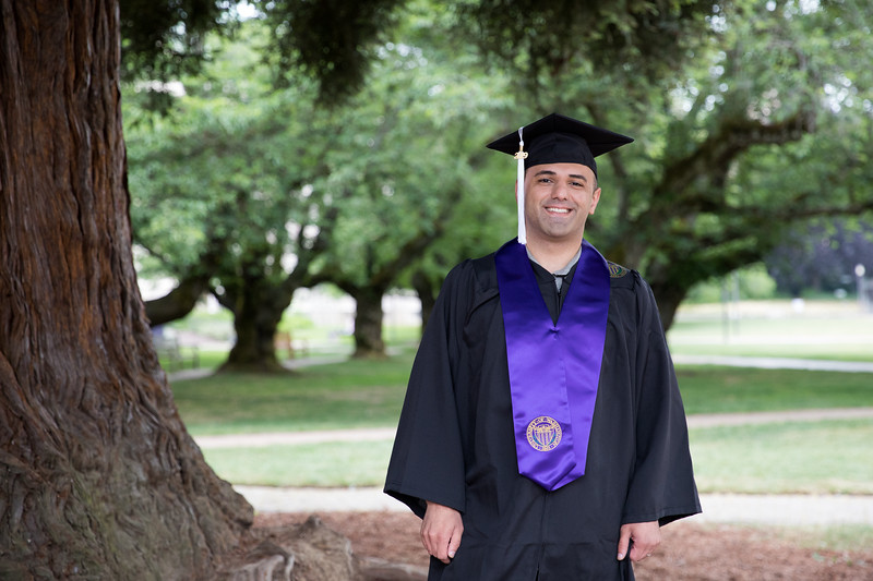Jacob-UWGrad2019-004.jpg
