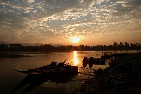 mekong sunrisesmall.jpg