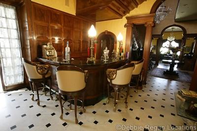 Sandy's Riverdale Mansion