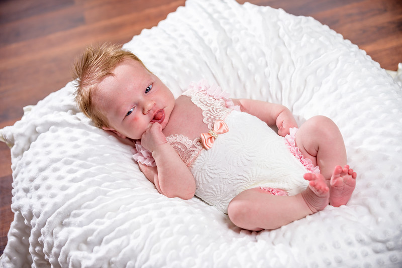 Penelope_Claire_Holmes_11_Days_Old_July_8_2017-1237.jpg