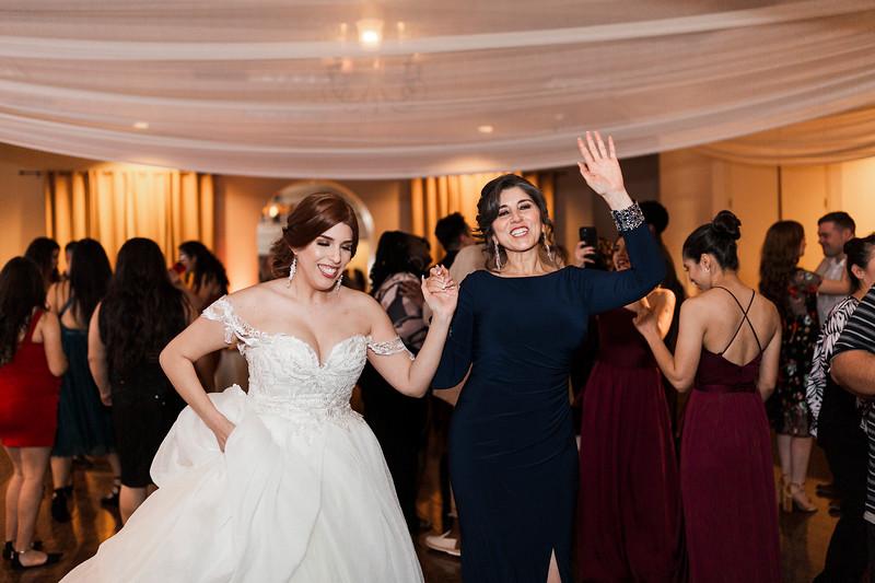 Alexandria Vail Photography Wedgewood Fresno Wedding Alexis   Dezmen841.jpg