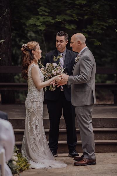 2018-05-12_ROEDER_JulieSeth_Wedding_ROEDER2_0042.jpg
