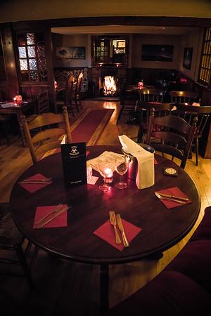 Three Horseshoes pub - interior