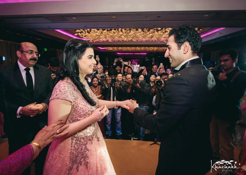 best-candid-wedding-photography-delhi-india-khachakk-studios_28.jpg