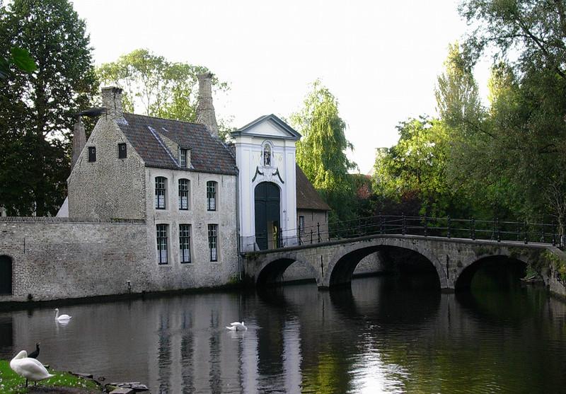 Gangbro til Begijnhof (Foto: Ståle)