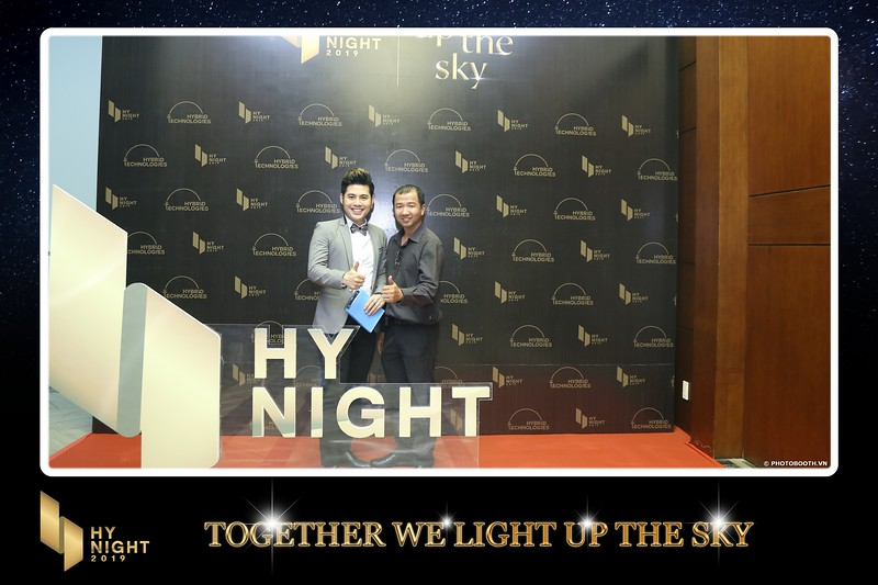Buzz-Comm-Year-End-Party-instant-print-photo-booth-at-New-World-Saigon-Chup-hinh-lay-lien-Tat-nien-WefieBox-Photobooth-Vietnam-083.jpg