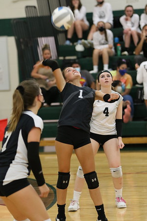 Edsel Ford JV Volleyball