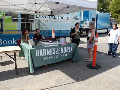 The Digital Bookmobile visited HPL Oct. 23, 2010! A Nook & Other Prizes were Given Away