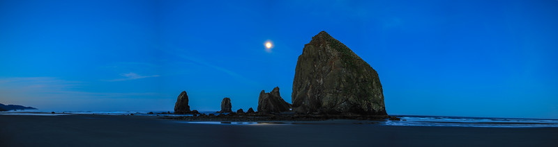 cannon beach panorama jpg file 1.jpg