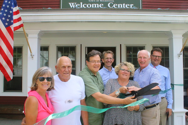 Woodstock Chamber Vistors Center Ribbon Cutting