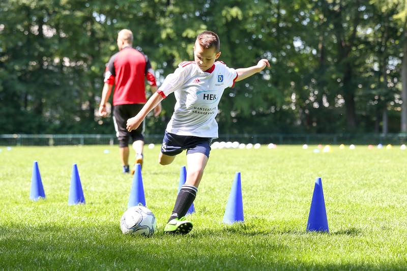 hsv_fussballschule-361_48048035357_o.jpg