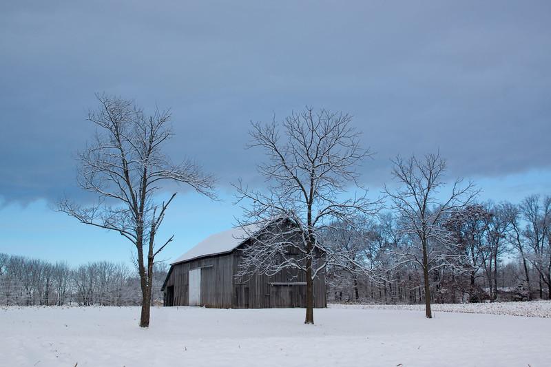 DSC04909 SnowBarn.jpg