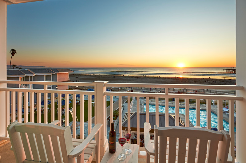 SBPAK_Vespera_JSTE_Boardwalk Junior Suite_Balcony.jpg