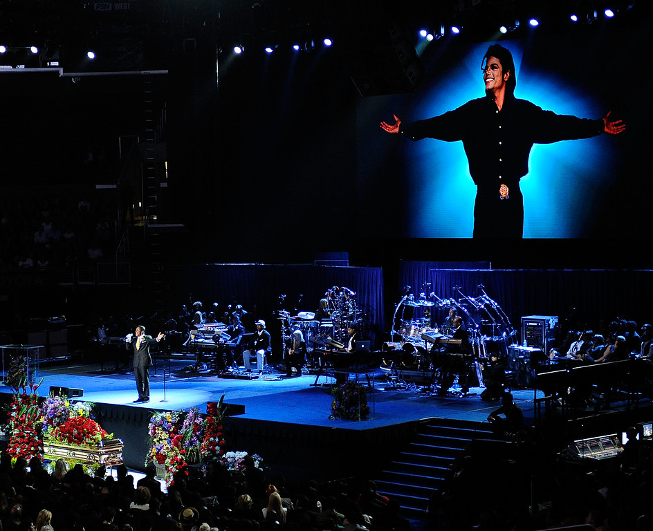 . LOS ANGELES, CA - JULY 07:  Singer Jermaine Jackson  performs at the Michael Jackson public memorial service held at Staples Center on July 7, 2009 in Los Angeles, California. Jackson, 50, the iconic pop star, died at UCLA Medical Center after going into cardiac arrest at his rented home on June 25 in Los Angeles, California.  (Photo by Kevork Djansezian/Getty Images)