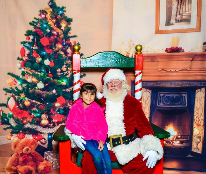 Santa Elmore 2016-12155.jpg