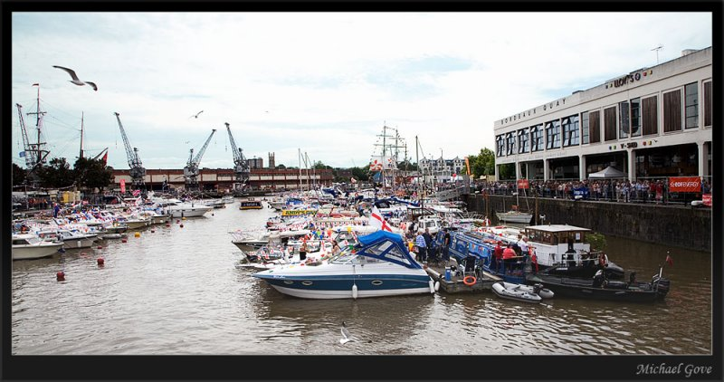 A packed marina at the Bristol Harbour Festival (83018323).jpg