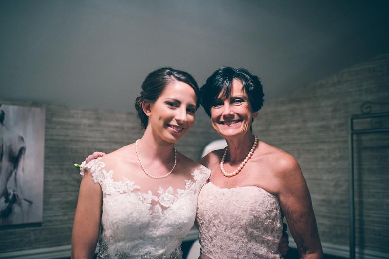 Philadelphia Wedding Photographer - Bernreuther-220.jpg