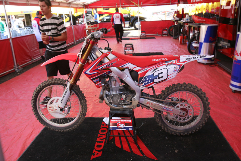 Andrew Short's bike from the 2nd moto. The mechanics got is fixed up after the crash. New bars, new clutch, grips, radiator. After all that was fixed they pulled a different bike off the stand (seen in the background) to race the final moto.