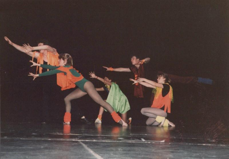 Dance_2042.jpg
