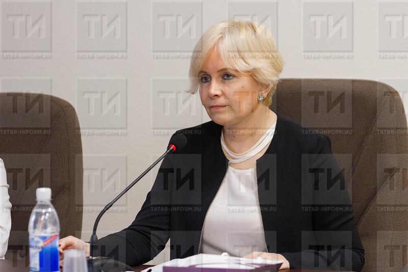 Неслихан Аксой, Габдерәшит Ибраһимов оныгы